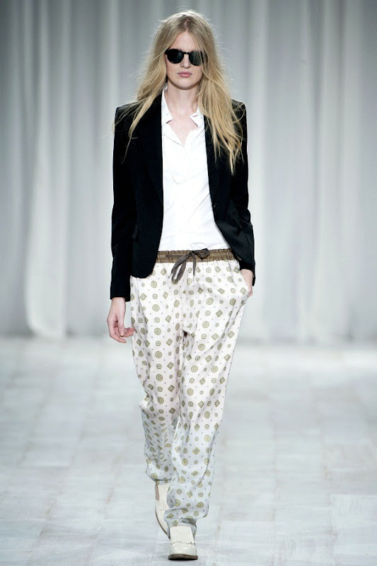 London Fashion Week - Paul Smith (Spring 2012) 12