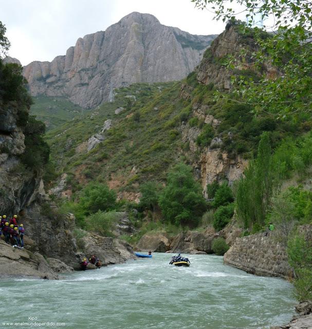 rafting-en-el-rio-gallego.jpg