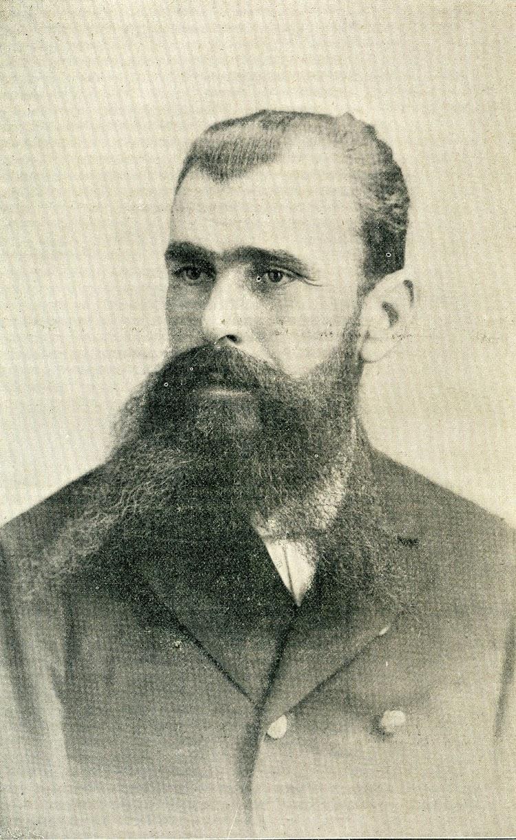 El Capitán Deschamps. Foto de la REVISTA DE NAVEGACION Y COMERCIO. AÑO 1898..jpg