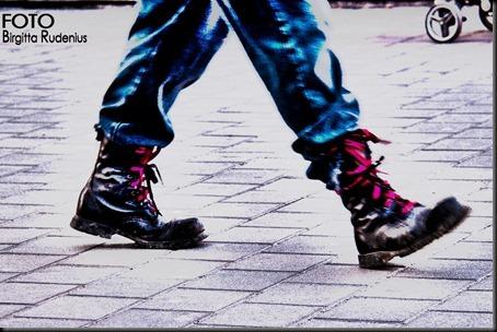 feet_20120321_br