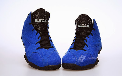 nike lebron 11 nsw sportswear ext blue suede 2 06 Nike LeBron XI (11) EXT Blue Suede Detailed Pictures