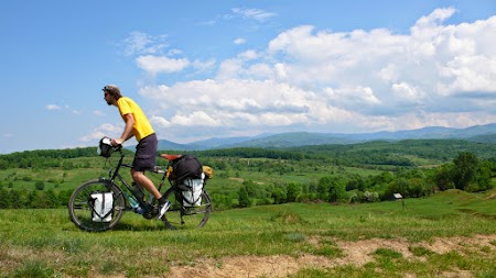08. Zi numai buna de pedalat in Romania.JPG