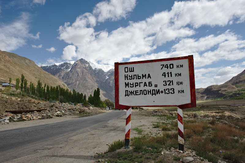 Si inca 900 de kilometri pana in Osh, cu varianta prin Wakhan.