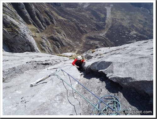 Via Intrusos 350m MD  7a  (6b A0 Oblig) (Alto Les Palanques, Picos de Europa) (Victor) 0073