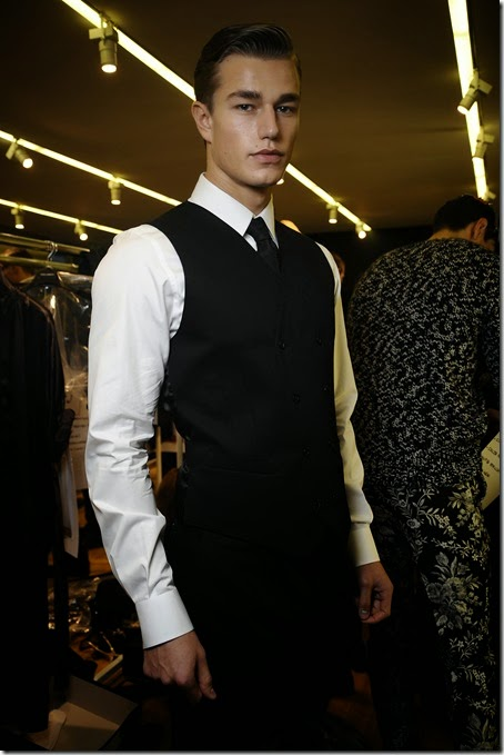 dolce-and-gabbana-winter-2016-men-fashion-show-backstage-16-zoom