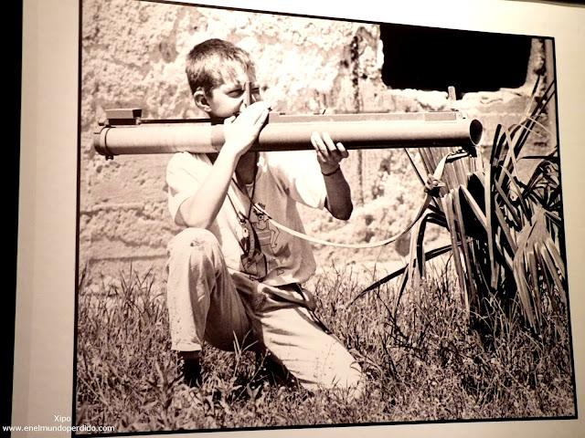foto-de-un-niño-con-un-bazoka.JPG