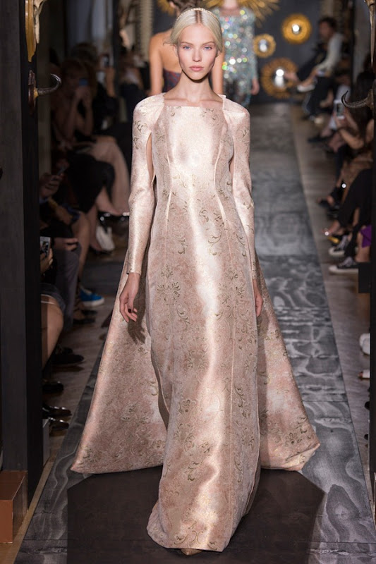valentino-fall-2013-couture-52_160241595079