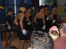 Праздник 8 марта в Пушкинской школе март 2006 г.