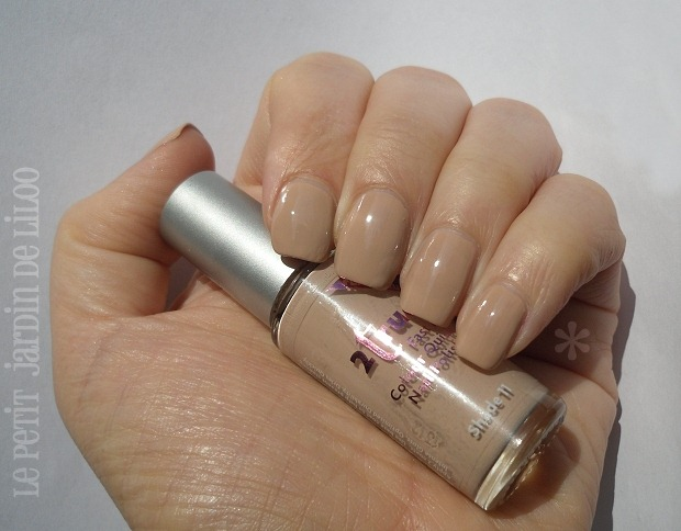 003-2true-nail-polish-nude-shade-11-review-swatch
