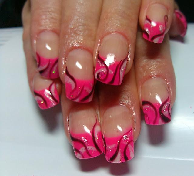 Ногти розовый с серебристым 75