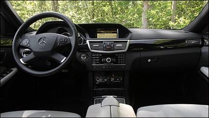 Mercedes-Benz-E350-2011_i3