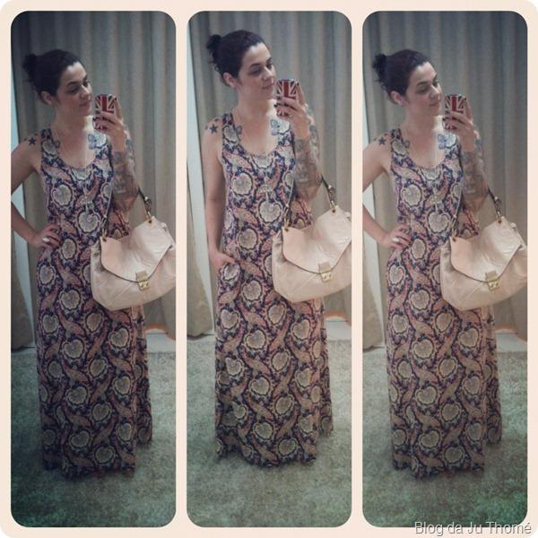 look vestido longo estampado bolsa nude TRITON