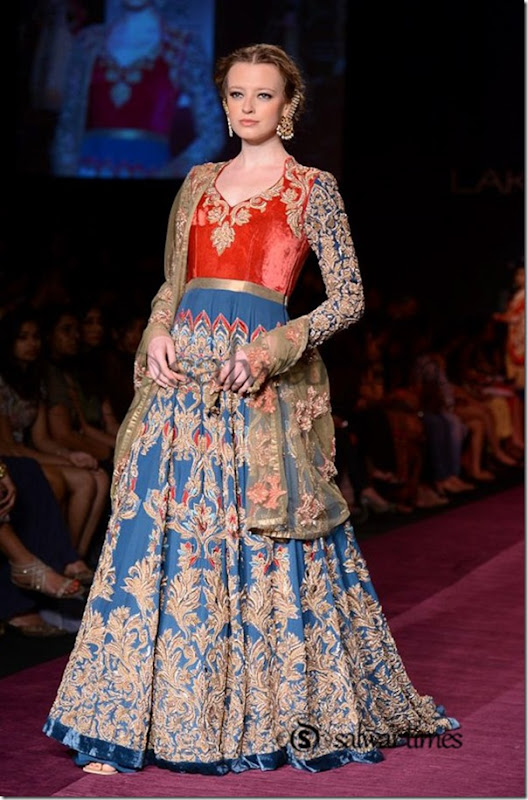 Shyamal_and_Bhumika_Collection_at_Lakme_Fashion_Week_2013 (9)