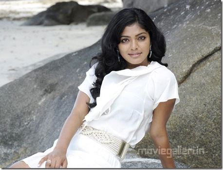 rima_kallingal_hot_yuvan_yuvathi_movie_stills_01