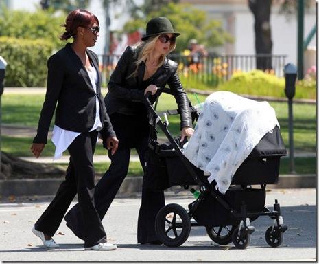 Rachel Zoe Rachel Zoe Son Skyler Walking Home r3yeABTM7T8l