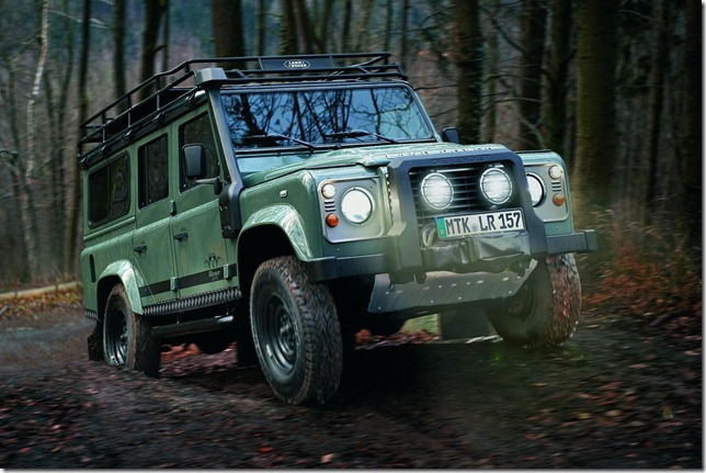 Land-Rover-Defender-Blaser-Edition-1
