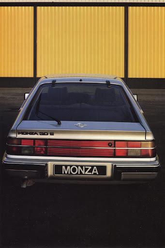 Opel_Monza_1984 (7).jpg