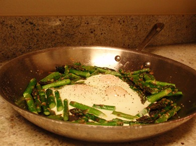 Deliciously Golden: Midnight Asparagus and Creamy Eggs