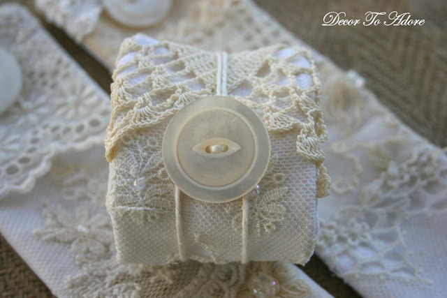 napkin rings 025