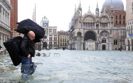 Veneza - enchente (3)