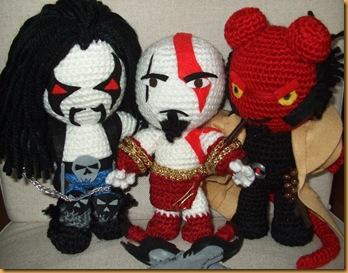 Lobo Kratos Hellboy amigurumi