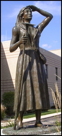 Pioneer Woman sculpture by Charles Shaler.