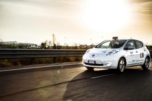 Nissan-Leaf-taxi-04.jpg