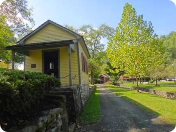 9-quarter-house