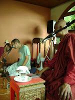 Bhante Gunaratana e o tradutor (João)