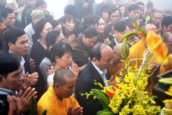 thi-tam-man-chua-dong-yen-tu (4)