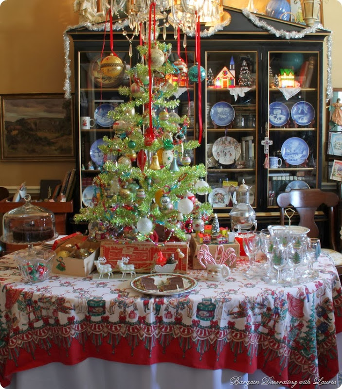 Retro Christmas-Bargain Decorating with Laurie