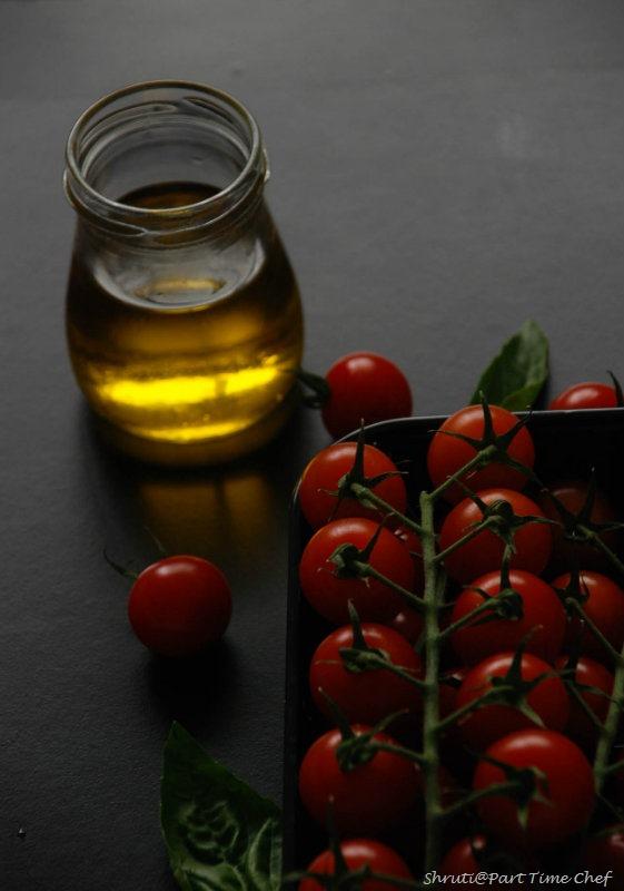 Pasta al Nepolitana Tomatoes basil n olive oil backlit