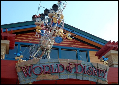 07 - Downtown Disney - Disney Store