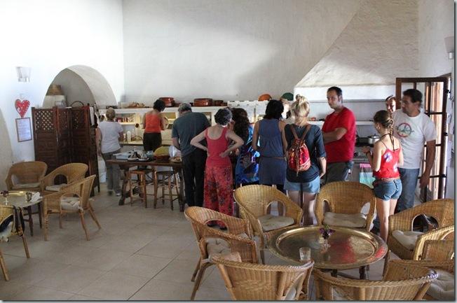 Ecoaldea / Ecovillage Los Portales: de la Comunidad Intencional a la idealizada