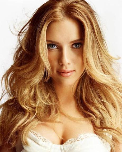 Scarlett Johansson atriz que teve fotos pessoais e íntimas divulgadas na internet