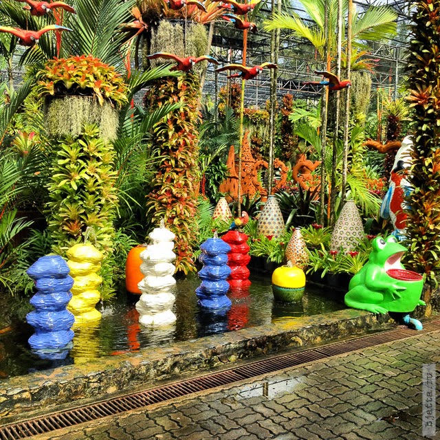 2012. Nong Nooch. Thailand. Pattaya. Сад оформлен изумительно. Если я правильно помню, то это сад орхидей, сразу у входа.