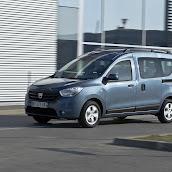 2013-Dacia-Dokker-Official-17.jpg