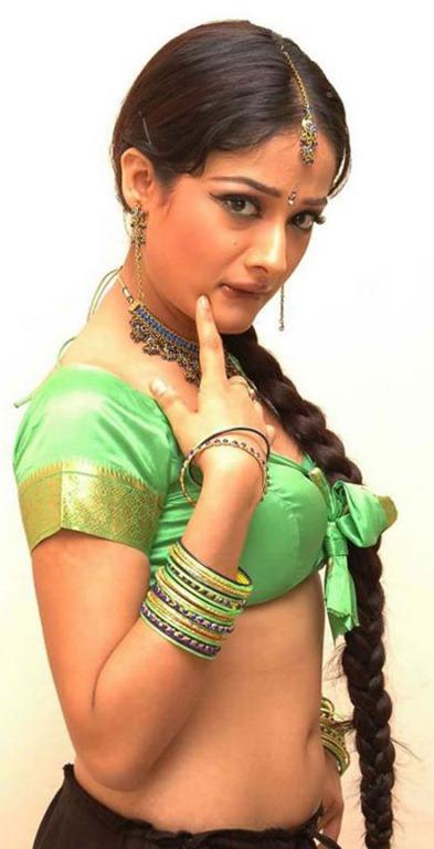 Actress Kiran rathod Navel show Photos