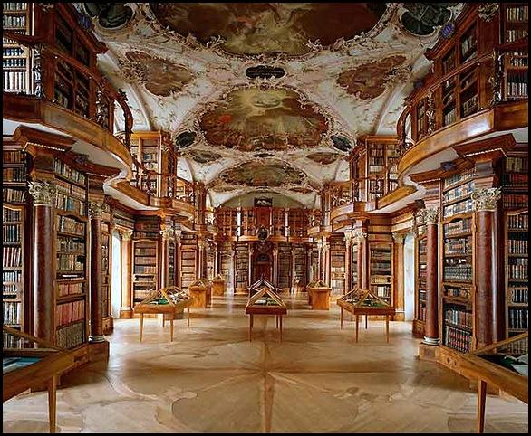 Bibliothèque de l'Abbaye Saint-Gall , Suisse (1)