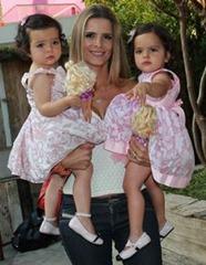 candinha - 6 - Flavia Fonseca e gêmeas Helena e Isabella