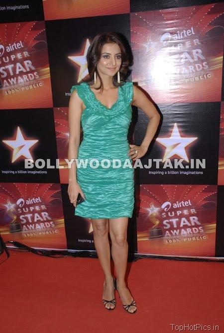 Anjana Sukhani Hot Pics in Golden Dress 3