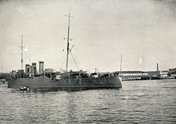 Vista del crucero por la aleta de babor. Libro Obras. SECN. Año 1923..JPG