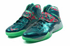 lebrons soldier7 power couple 05 web white The Showcase: Nike Zoom Soldier VII Power Couple (GitD)
