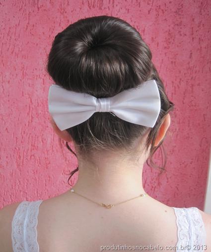 Penteados: Coque Rosquinha com trança Por Maysa.
