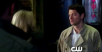 supernatural-7-21-castiel-is-awake-and-gets-slapped