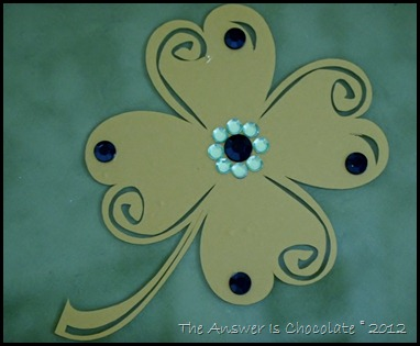 Gold Shamrock Closeip
