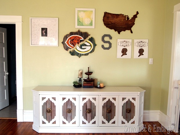 DIY Bracket-shaped 'broken' HOUSE DIVIDED sign! {Sawdust and Embryos}