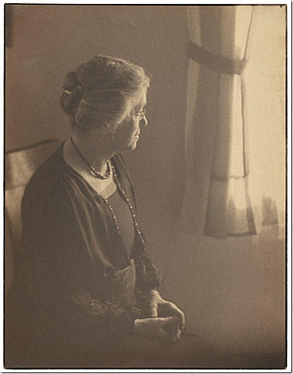 Anton Bruehl - not titled [Minna Bruehl] c1924