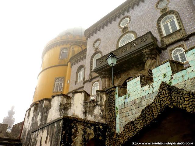 fachada-palacio-da-pena-sintra-portugal.JPG