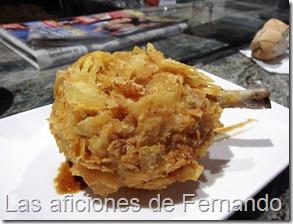 Muslito de pollo con tempura de patata frita
